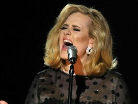 Adele Could Be James Bond Next Mystery Women Plus She Dreams Of Beyonce