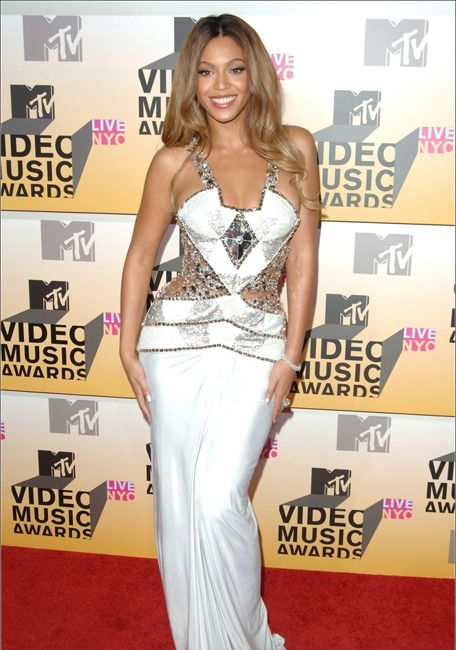 Beyonce| Award Show Fashion - 2006 VMAs