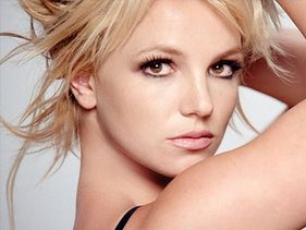 http://mtv-tv.mtvnimages.com/Music-Entertainment/Artists/Britney-Spears/britney-spears-arms-up.jpg?height=211