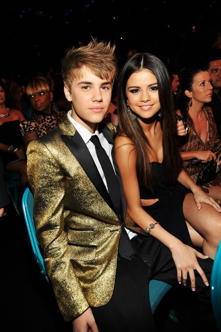 When Justin Bieber Met Selena Gomez - Billbaord Music Awards 2011