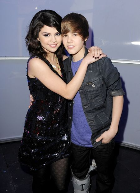 When Justin Bieber Met Selena Gomez - Dick Clark's New Year's Rockin' Eve with Ryan Seacrest - LA Dec 31 2009