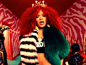 Rihanna S&M Video Premiere Here!