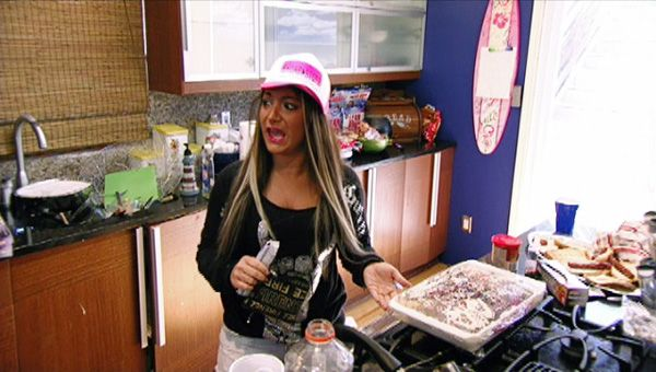 Jersey Shore (Season 5) | Ep.07 | Love At The Jersey Shore - Deena is wondering who stole one piece of cake