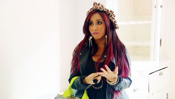 Snooki & Jwoww | Ep.101 | Flipbook - Snooki is worried about previous criminal owners