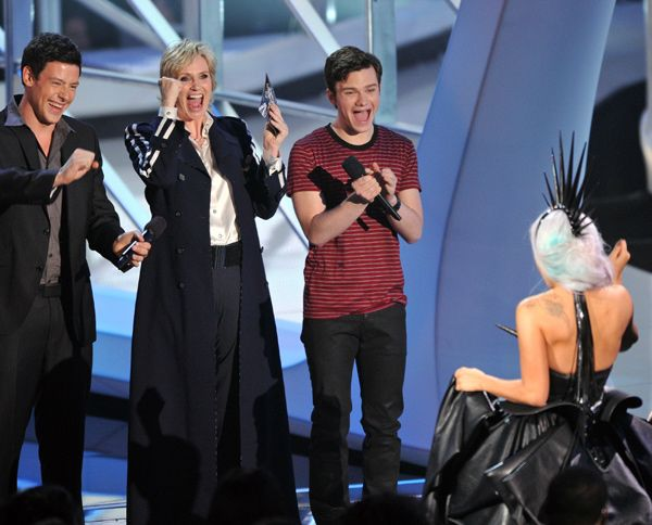 2010 VMA Winners - Gaga races to the stage