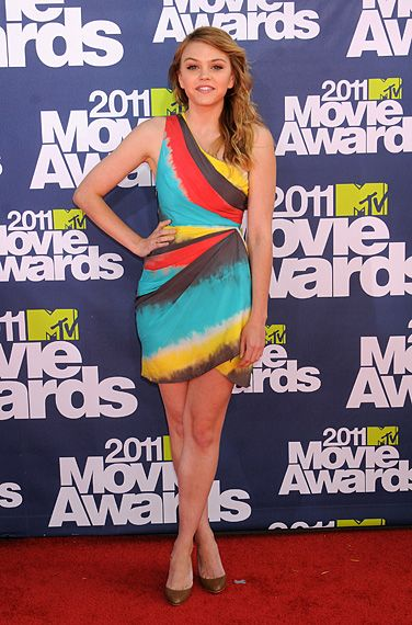 2011 MTV Movie Awards | Red Carpet - Aimee Teegarden stars most recently in Scream 4 and Prom