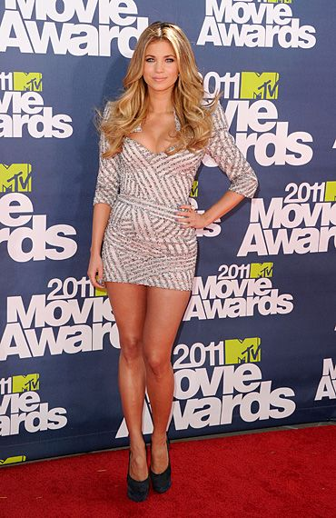 2011 MTV Movie Awards | Red Carpet - 2011 MTV Movie Awards | Red Carpet