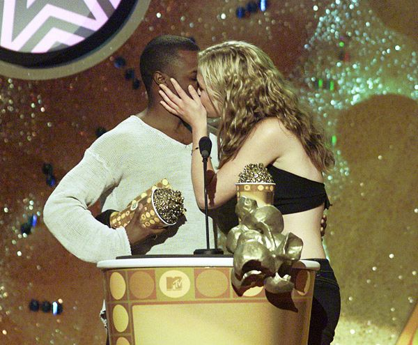 2013 MTV Movie Awards | Best Lip Locking Celebs - Sean Patrick Thomas and Julia Stiles may have