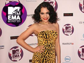 2011 EMA Red Carpet Has Begun!
