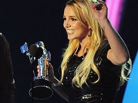 Britney Spears Wins For Best Pop Video Till The World Ends