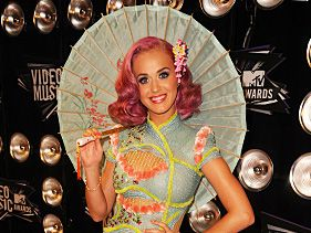 Jaw Dropping Fashion at the 2011 VMAs