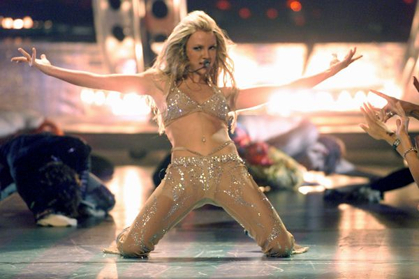 VMA Fashion | Barely There - 09.07.2000, New York City, NY: Britney Spears lets it all hang out at the 2000 MTV VMAs.