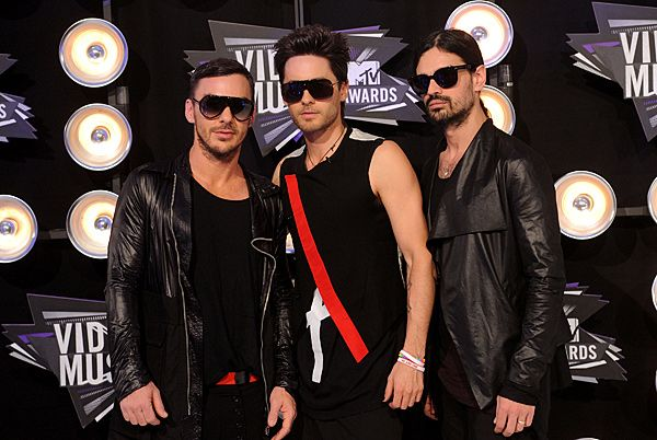 2011 VMAS | BLACK CARPET - 30 Seconds to Mars