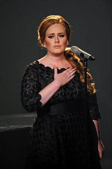 2011 VMAS | HIGHLIGHTS - Adele singing a soul moving performance