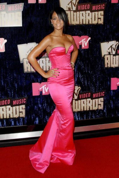 2012 VMA | Rihanna VMA Fashion Over the Years - Rihanna arriving to the Palms Casino Resort in Las Vegas for the 2007 VMAs