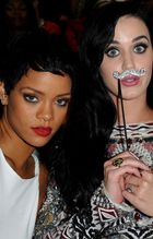 2012 VMA   Katy & Rihanna BFF