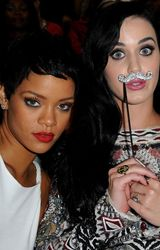 2012 VMA | Katy & Rihanna BFF
