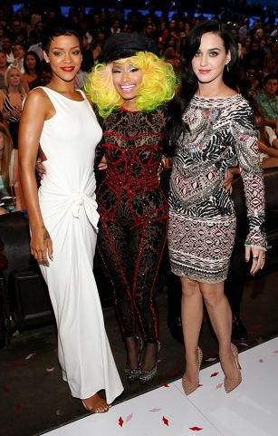 2012 VMA | Katy & Rihanna BFF - Rihanna, Katy and Nicki all looking swag!