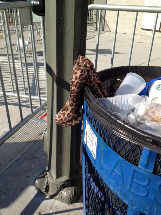 2012 VMA | What You Didn't See! - A pair of leopard high heels in the garbage bin after the 2012 VMAs