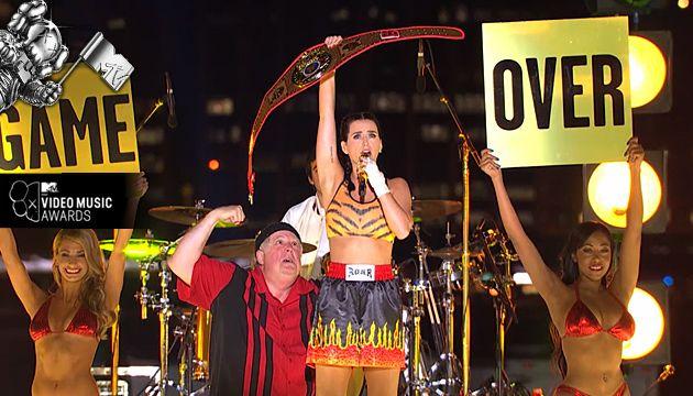 "2013 VMA Performers ""ROAR"""