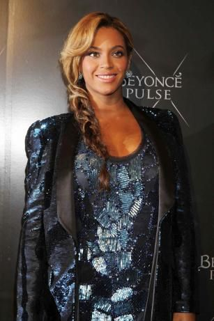 Beyonce Glows As Mama To Be - B launches 'Pulse Fragrance' in New York