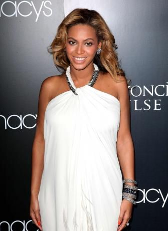 Beyonce Glows As Mama To Be - 'Pulse' fragrance lauch at Macy's in New York