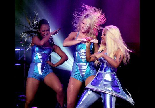 Nicki Minaj Performing at US Dick Clark's 2012 New Year's Rockin Eve