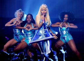 Watch Nicki Minaj Performing 'Roman In Moscow' At 2012 Eve Celebrations