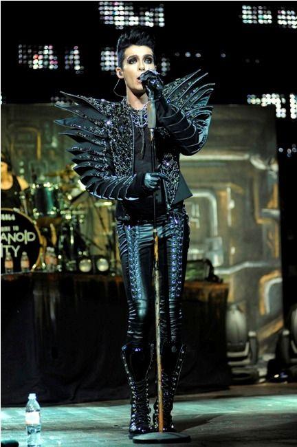 Tokio Hotel en los Premios MTV VMA Japón - 25.06.11 - Página 9 Tokio%20hotel%20resized1