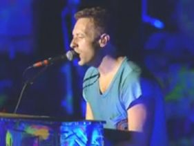 "Coldplay Pay Tribute to Adam ""MCA"" Yauch - (You Gotta) Fight For You Right (To Party)"