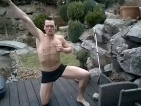 [VIRAL]German Jumps Into A Frozen Swimming Pool - We Can't Stop Laughing