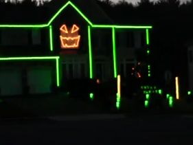 [VIRAL] Gangnam Style Takes Halloween Lights To A New Level