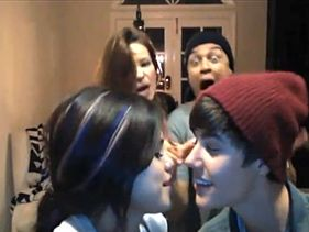 "[Video] Justin, Selena and Friends Get Sassy with Carly Rae Jepsen's ""Call Me, Maybe"""