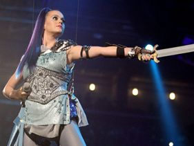 "Katy Perry Performs ""Part of Me"" at KCA 2012 plus Releases New Movie Trailer"