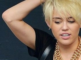 Miley Cyrus Tweets Support For Justin Bieber Citing Paparazzi Death &quot;Bound To Happen&quot;