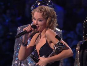 Taylor Wins & Publicly Disses Ex-Boyfriend At VMAs - Good Dirl Gone Sassy?