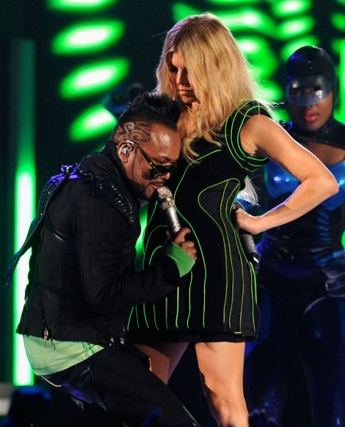 Billboard Music Awards | Britney Meets Rihanna's S & M - Black Eyed Peas showing some love.