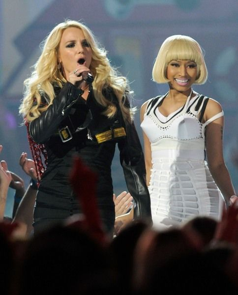 Billboard Music Awards | Britney Meets Rihanna's S & M - Britney Spears and Nicki Minaj
