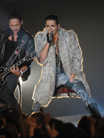 Tokio Hotel - What Are They Up To? - Tom and Bill Kaulitz performing at the MTV Japan Video Music Aid Awards