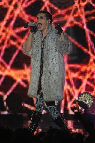 Tokio Hotel - What Are They Up To? - Bill Kaulitz performing at the MTV Japan Video Music Aid Awards