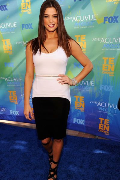 Teen Choice Awards | Blue Carpet Stars - Ashley Greene aka