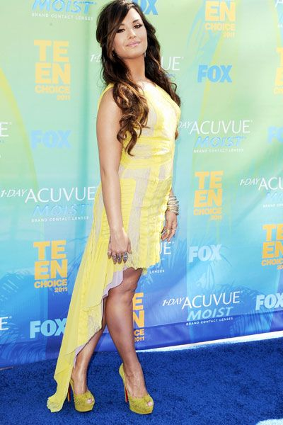 Teen Choice Awards | Blue Carpet Stars - Demi