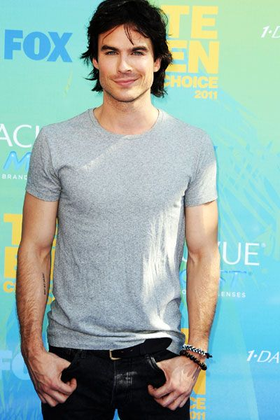 Teen Choice Awards | Blue Carpet Stars - Ian