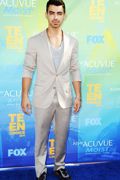 Teen Choice Awards | Blue Carpet Stars - Joe