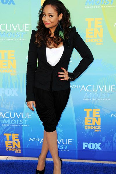 Teen Choice Awards | Blue Carpet Stars - Raven