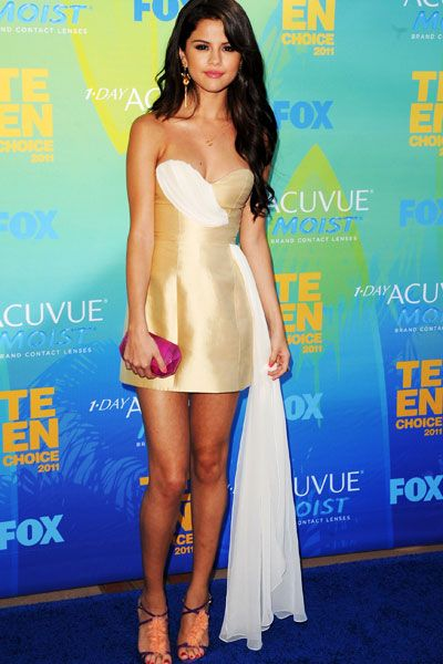 Teen Choice Awards | Blue Carpet Stars - Selena