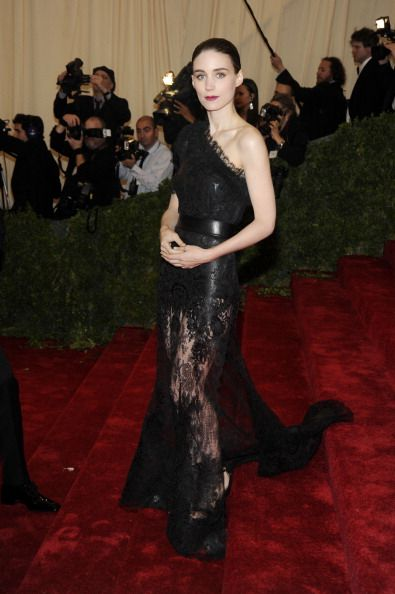 Celebrity Fashion Police at 2012 Met Gala - Rooney Mara : Spooky that's all we can say ..spooky