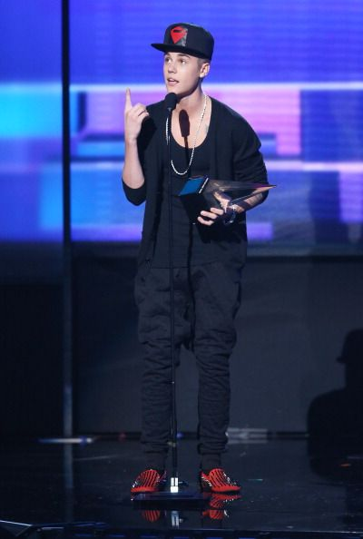 American Music Awards 2102 - Highlights - Justin Bieber was the man of the night with three awards.
