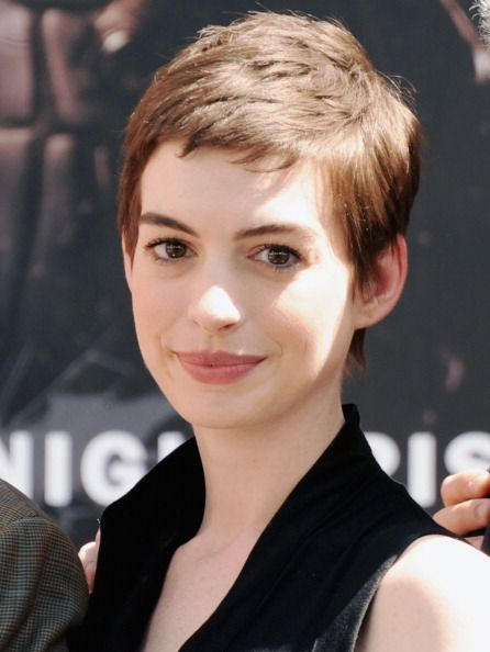 Anne Hathaway : Batman's Best Catwoman Yet! - Batman's Best Catwoman Yet!