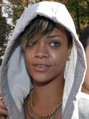 Celebs With No Make-up - Rihanna